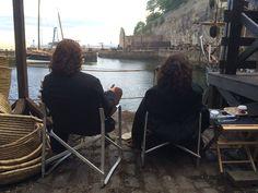 "New BTS Pic of Sam Heughan and Caitriona Balfe - ""@SamHeughan @caitrionambalfe @Outlander_STARZ  still waiting!"""