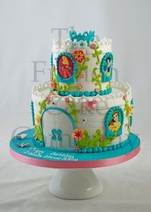 1000 Ideas About Gateau Chateau Princesse On Pinterest Castle House Cakes And Cake