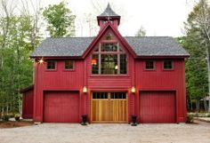 BeamBabe Bennington Carriage House Small barn home plans are Hot, Hot, Hot and Yankee Barn Homes is at the forefront of this movement. See our unique small barn home floor plans. Barn Homes Floor Plans, Pole Barn House Plans, Pole Barn Homes, House Floor Plans, Pole Barns, Barn Plans, Barn Style House Plans, Small Barn Home, Small Barns