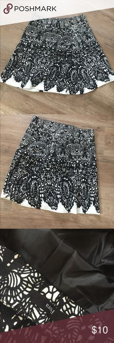 Black and white skirt Black and white skirt .Just wear once Skirts Midi