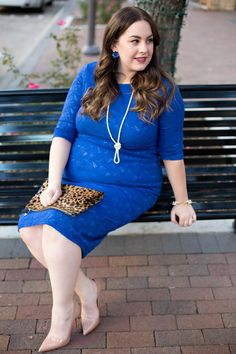 Bodycon dresses are a great way to dress up your pregnancy body . See how this blogger styles these simple and classic pieces for the perfect night out on the town outfit. Navy Blue Maternity Dress, Cute Maternity Outfits, Pink Blush Maternity, Maternity Fashion, Maternity Dresses, Maternity Style, Sexy Legs And Heels, Dress And Heels, Blush Pink Dresses