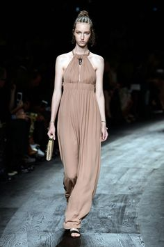Valentino Spring 2016 Ready-to-Wear Collection  - ELLE.com