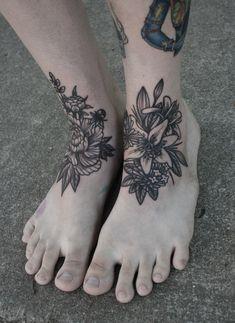 007Blumen_Fuss_Flower_Tattoo_tattooidee.com