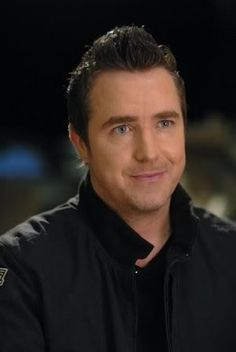 Carson Beckett ( Paul McGillion ) Stargate Atlantis. One of my all time fave pixs. And his eyes are really that blue. He is a sweetheart!