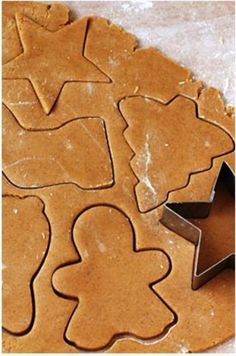 Gingerbread Cookies Recipe ~ They are just slightly chewy, spiced but not too spiced, and perfect for rolling out and cutting into whatever fun shapes you choose. Perfect for the holidays coming up! Christmas Sweets, Christmas Cooking, Christmas Goodies, Holiday Cookies, Holiday Treats, Holiday Recipes, Cookies Et Biscuits, Sugar Cookies, Almond Cookies