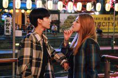 """Chuyện tình đẹp của cặp đôi đồng tính nữ Hàn Quốc sẽ khiến bạn """"dám làm tất cả chỉ để yêu""""!   Trái Đất rộng lớn là thế gặp được người mình yêu đã khó để bầu bạn lâu dài lại còn khó hơn nhất là khi tình yêu ấy là thiểu số trong đa số. Hai con người cùng giới tính yêu nhau đã phải trải qua bao nhiêu khó khăn để được hạnh phúc? Câu trả lời ra sao có lẽ không quan trọng chỉ biết là sau tất cả người có tình sẽ vẫn về bên nhau.  Đó là những gì mà cặp đôi đồng tính nữ Lee Hana và Kim Kyung Eun (hay…"""