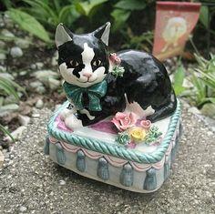 Music Box Black White Cat 1993 Yamada for Schmid