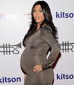 Pregnant Kourtney Kardashian Has Gained 26 Pounds Kim Pregnant, Maternity Fashion, Pregnancy Fashion, Maternity Style, Pregnant Celebrities, Celebrity Moms, Kourtney Kardashian, Pregnancy Photos, Fashion Beauty