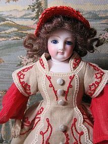 Splendid Petite French Fashion Doll - Emmie's Antique Doll Castle #dollshopsunited
