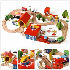 Diecasts 장난감 자동차 아이 장난감 토마스 기차 장난감 모델 나무 퍼즐 건물 슬롯 트랙 레일 교통 주차 차고 3119