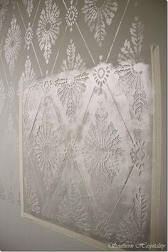 The latest wall stencil ideas make it possible to decorate with texture using only wall paints and cutting edge stencils. Wall painting stencils may seem out da Damask Wall Stencils, Wall Stencil Designs, Cool Stencils, Stencil Painting On Walls, Stencil Diy, Diy Painting, Wall Stenciling, Large Stencils, Basement Craft Rooms