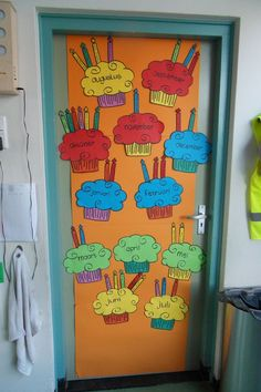 Classroom Charts, Classroom Board, Classroom Displays, School Classroom, Classroom Organization, Classroom Decor, Birthday Bulletin Boards, Classroom Birthday, Birthday Board