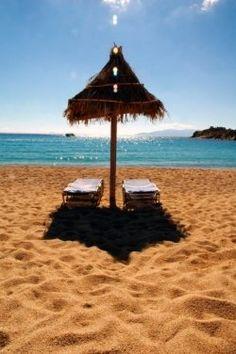 Mykonos Beaches: sea, sand, sun, party!