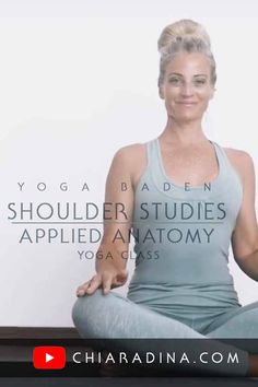 Step by step yoga class: Integrate ribs & a neutral shoulder girdle, connecting them both to a strong center. Avoid rib flare forever and train this newfound stabilisation with all possible arm/rotator cuff movements. #shoulders #yogavideo #chiaradina #nomoreribflare