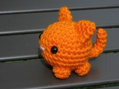 """Modified Roly Poly Cat  - Free Amigurumi Pattern - PDF click """"download"""" or """"free Ravelry download"""" here: http://www.ravelry.com/patterns/library/modified-roly-poly-cat-amigurumi"""