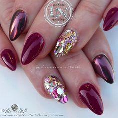 Wine Red & Gold 🍷🔔 Acrylic Overlay with @youngnailsinc Red 105, @glitter_heaven_australia Glitz & Glamour Glitter Mix, Volcanic Sparks Chrome. #youngnails #glitterheaven #chromenails #glitter #sparkle #icing #frosting #luminous #luminousnails #luminousnailsandbeauty #byteena #goldcoast #queensland #australia #nailartist #nailartbook #cutenails #qualitynails #shimmer #shiny #glossy #nailart