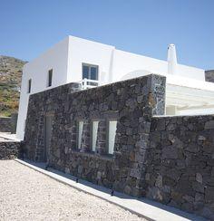 Stone-Built-Wall-Villa-Amazing-Exterior-Santorini-Island-Greece
