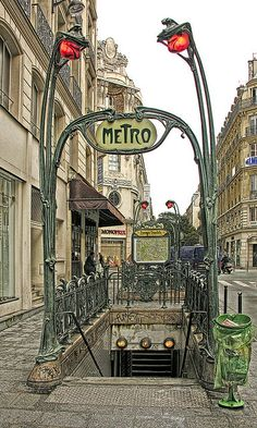 Art Nouveau architecture, Paris: Reaumur-Sebastopol metro entrance (photo Eric.Parker, via Flickr 2642401918)