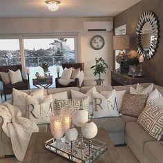 ✨have a lovely evening✨ha en fin kveld✨da var det mandag igjen og en ny uke med nye muligheter#wonderfulrooms #finehjem #vakrehjem #ninterior #mm_interior #shabbyyhomes #charminghomes #classyinteriors #hem_inspiration #lovelyinterior #lovely_interiors #dream_interiors #dreaminteriors #passion4interior #inspire_me_home_decor #the_real_houses_of_ig #interior4u #interior123 #interior125 #interior444 #interior4all #interior_and_living #interior4you1 #vakrehjemoginterior #kava_interior…