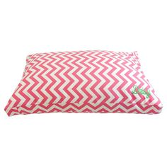 Small Chevron Dog Bed in Candy Pink. I want this for my dog, Roxy!!!!