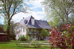 Luxurious established bed and breakfast with mountain views. Luxurieux domaine de chambres d'hôtes et de gite avec vue sur les Pyrénées. #beautiful #luxurious #bedandbreakfast #luxurieux #mountain #gite #pyrénées #navarrenx #fairytale #charming                                                http://www.bordeauxbeyond.co.uk/fr/property-for-sale/-/-/15416/navarrenx/luxury-bed-and-breakfast-retreat-with-an-independent-guest-house/aquitaine---pyrenees-atlantiques---near-navarrenx