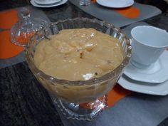 1 litro de leite  - 750 g de açúcar  - 2 colheres (sopa) de leite em pó  - 1 colher (sopa) de amido de milho  - 1 colher (sopa) de farinha de trigo  - 1 colher (sopa) de Karo  - 1 colher (café) de bicarbonato de sódio  -