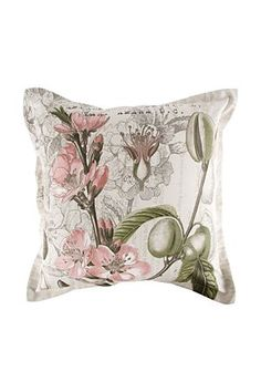 FLORAL CUSHION! LITERALLY CANT EVEN!