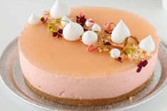 Rhubarb cheesecake - the perfect dessert - The Happy Kitchen - 10 Classic American Desserts Baking Recipes, Cake Recipes, Dessert Recipes, Gelato Cake, Cheesecake Decoration, American Desserts, Pastry Art, No Bake Desserts, Let Them Eat Cake