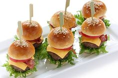 Recipe of mini burgers with Thermomix or Put together this aperitif e Mini Burgers, Mini Hamburger Sliders, Mini Sliders, Cheeseburger Sliders, Appetizers For Party, Appetizer Recipes, Pumpkin Crunch, Thanksgiving Desserts Easy, Pulled Pork Recipes