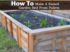 ***I'm making THIS ONE! Only difference, I'm putting the smooth edge on the outside with the posts on the inside and not as deep so I wont' need as much dirt... How to Make A Raised Garden Bed From Pallets