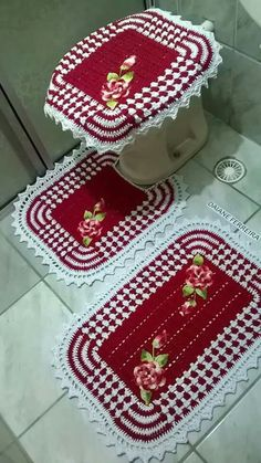 Crocheted Bathroom Set Ideas for Crochet Lovers Chunky Girls, Crochet Home, Bathroom Sets, Crochet Clothes, Bad, Diy And Crafts, Crochet Patterns, Rugs, Knitting