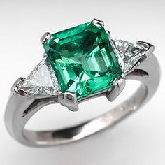 Vintage Emerald Engagement Ring w/ Triangle Diamond Accents Platinum - EraGem