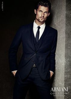 Check Out 25 Best Armani Suits For Men. Armani suits are some of the most stylish and brash men's fashion items that can be worn today. Armani suits have amazing pants as well. Armani Suits, Armani Men, Emporio Armani, Mens Fashion Suits, Mens Suits, Giorgio Armani Designer, Versace, Look Formal, Shopping