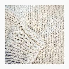 sometimes the simple pattern are the best!    spesso le lavorazioni più semplici.. sono le migliori!   #instadaily #instalover #knittingpattern