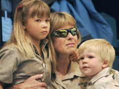 Bindi Irwin Photos From Bikini | Bindi Irwin Terri Irwin Bob Irwin
