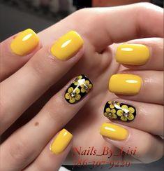 Acrylic nails and chrome nail art. Yellow Nails Design, Yellow Nail Art, New Nail Art Design, Nail Art Designs, Short Nail Manicure, Gel Nails, Chrome Nail Art, Summer Acrylic Nails, Short Nail Designs