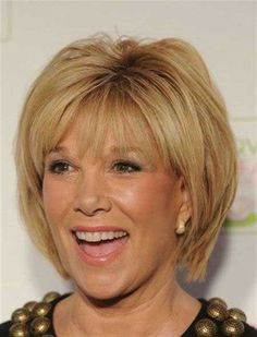 25 Short Hairstyles for Older Women_4