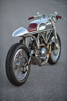 RocketGarage Cafe Racer: Ducati 900SS SP J63