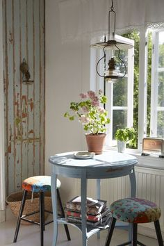 Image in House and Decoration. Sweet Home, Country Farmhouse Decor, Country Charm, French Country, Interior Decorating, Interior Design, Cozy Corner, Cozy Living, Cozy House