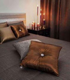 Fanni tyyny napilla -45x45cm - hopea,pronssi,grafiitti,valk