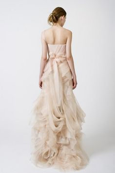 Peach Vera Wang wedding gown.  Love the #ruffles.