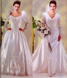 Wedding Dress With Veil, Beautiful Wedding Gowns, Wedding Dress Sleeves, Beautiful Dresses, Perfect Wedding, Chic Vintage Brides, Vintage Gowns, Vintage Bridal, Vintage Weddings