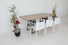 """Tisch """"Industry"""", Eiche in Kombination mit den Stühlen """"Vita"""" in weiß"""
