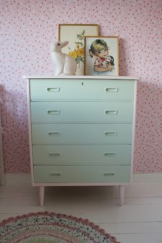 white and mint dresser Mint Dresser, Little Girl Rooms, Fashion Room, Kid Spaces, Kids Decor, Colorful Interiors, Girls Bedroom, Decoration, Home Furniture