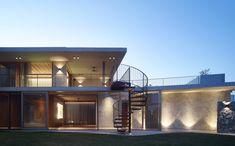 fineinteriors: V House Sunshine Coast Queensland Australia by Shaun Lockyer Architects Residential Interior Design, Residential Architecture, Brisbane Architects, Architecture Awards, Commercial, Architect House, Beautiful Architecture, Minimal Design, Modern House Design