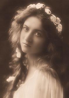Maude Fealy 1