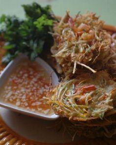 Okoy [Crisp shrimp fritters] http://www.filipinovillage.com/showrecipe.asp?rid=83