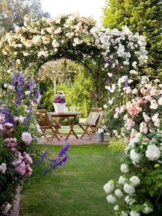 ☆Beautiful Garden Arbor With Climbing Roses ~ Garden Arbor, Garden Beds, Garden Frame, Diy Arbour, Arbors Trellis, Design Jardin, Garden Cottage, Small Cottage Garden Ideas, Climbing Roses