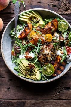 Balsamic-peach-basil-chicken salad with crispy prosciutto. - Balsamic-peach-basil-chicken salad with crispy prosciutto. Basil Chicken, Peach Chicken, Balsamic Chicken, Grilled Chicken, Avocado Chicken, Salad With Chicken, Chicken Prosciutto, Chicken Dressing, Prosciutto Recipes