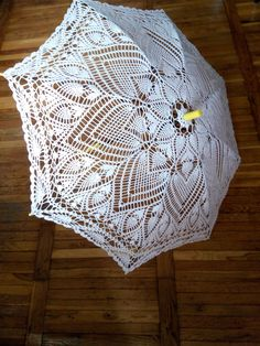 Umbrella Painting, Lace Umbrella, Umbrellas Parasols, Diy Crochet, Doilies, Baby Shoes, Diy Projects, Needlecrafts, Diy Crafts